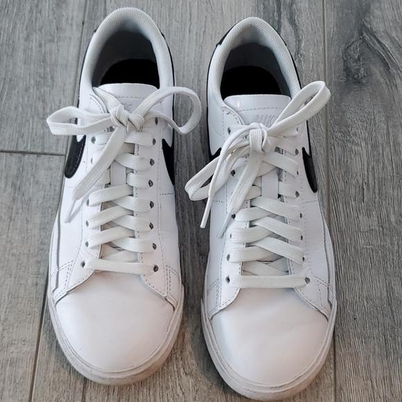 Nike White and Black croc soowsh Sneakers